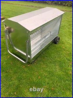 Sheep Feeder 1.2m 4 foot Hay Feeder 1.2m with roof and wheels Delivery Included