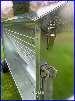 Sheep Feeder foot Hay Feeder 1.2m with roof and wheels 4' (Delivery Included)